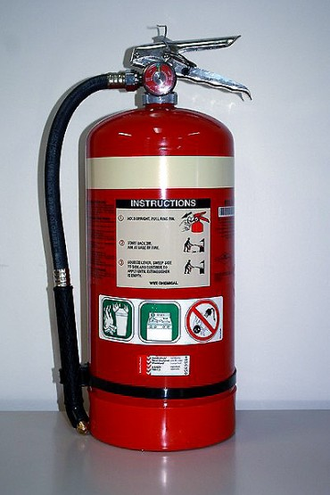 wet-chemical-fire-extinguisher-370x555